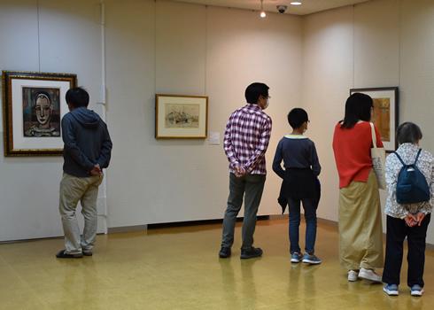<p>「旅する美術館・わくわくアート」都城会場 学芸員による作品解説</p>